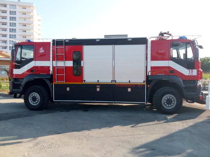 Ничего необычного... Просто пожарные машины с двумя кабинами. Пожарная машина, Две кабины, Ничего необычного, Сочи, Длиннопост