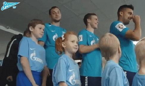 Идеальное преступление! Футбол, РФПЛ, Зенит, Артем Дзюба, Дети, Милота, Розыгрыш, Гифка