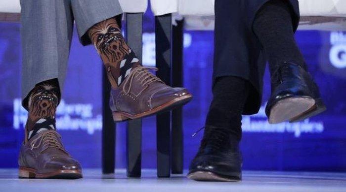 Носки премьер-министра Канады Джастина Трюдо стали глобальным событием на бизнес-форуме Bloomberg.