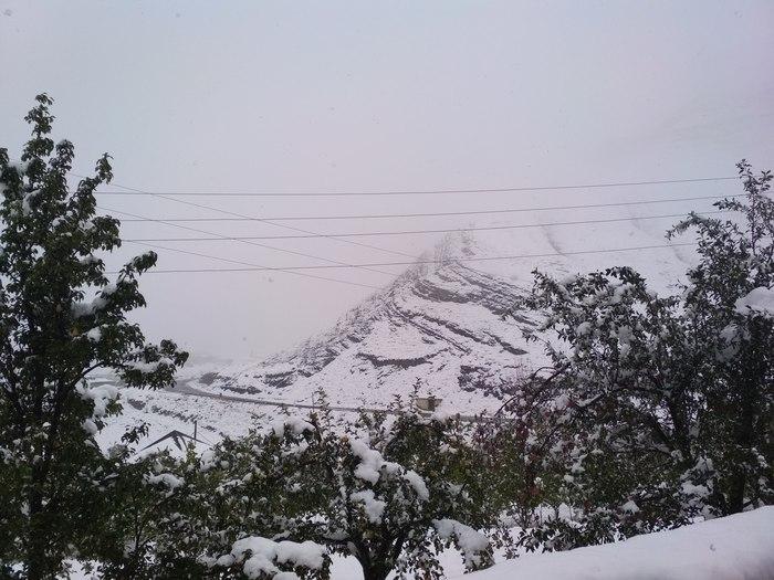 А у нас снег
