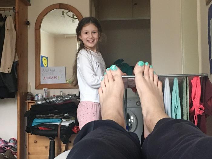 Дочку в очко едут