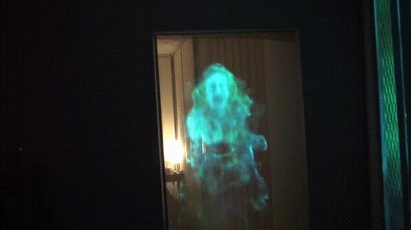 Эта голограмма к хеллоуину выглядит реалистичной. Гифка, Хэллоуин, Голограмма