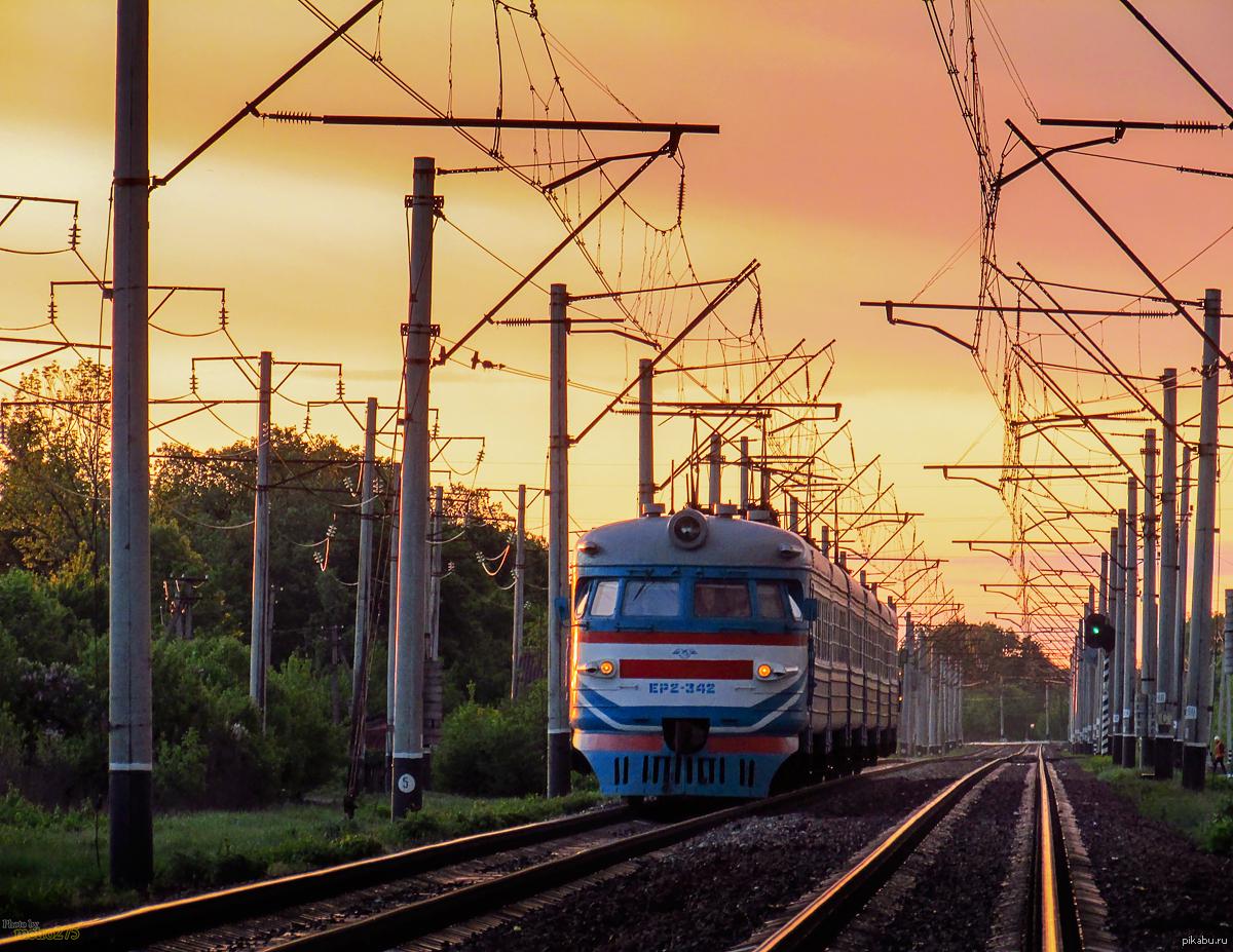 прикрепил поезд весной в картинках для города