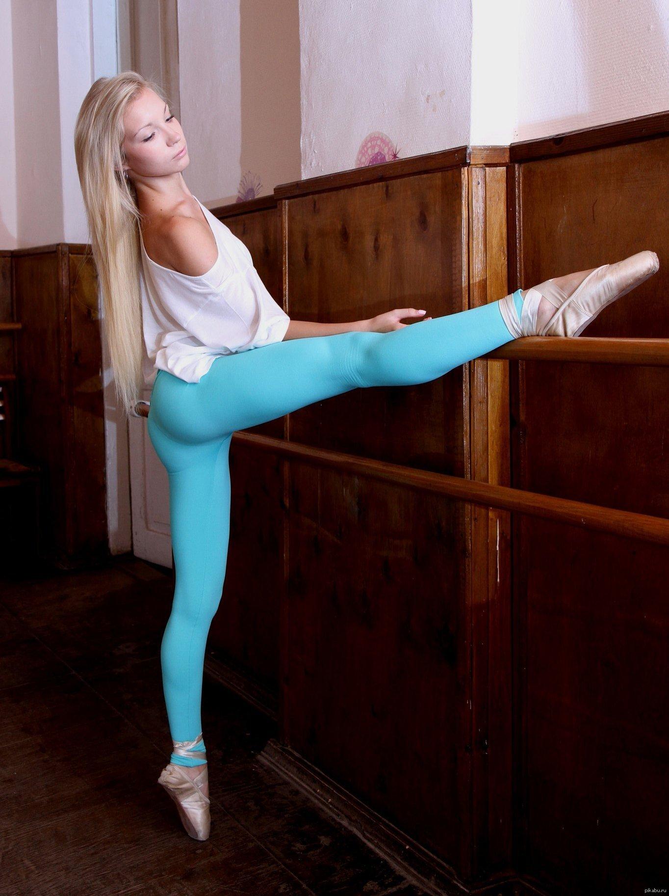 balerini-u-stanka-v-eroticheskih-pozah-foto