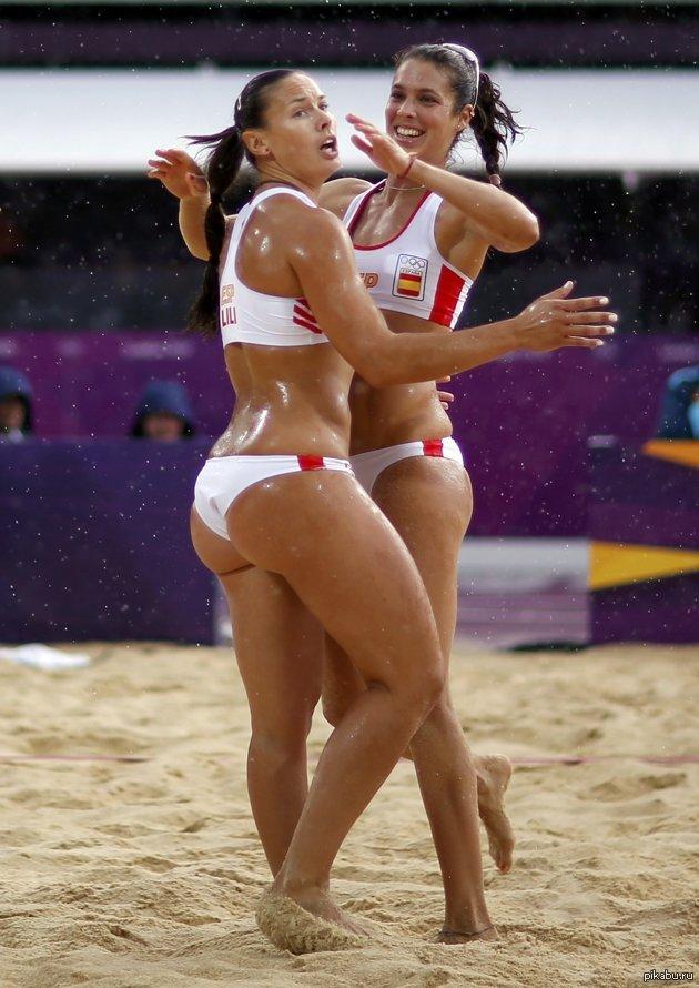 Жопастые волейболистки