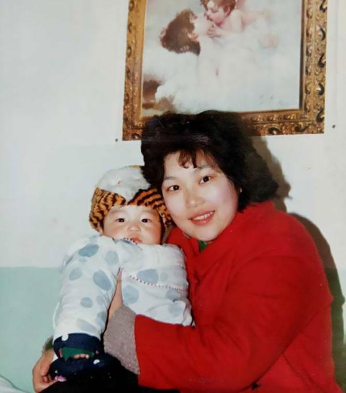 Азиатские мамы с другом сына