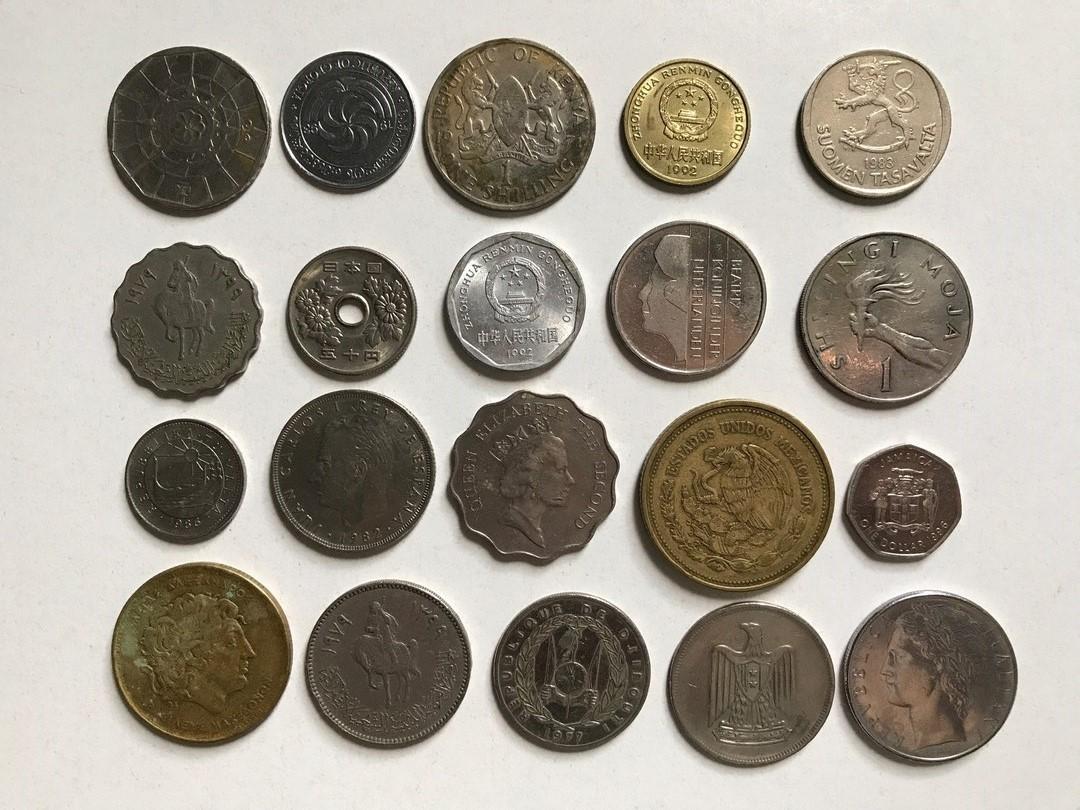 Альбом монеты разных стран dominica leoni