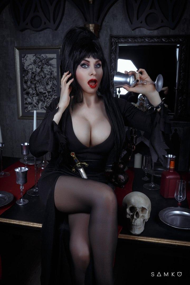 Порно эльвира повелительница тьмы