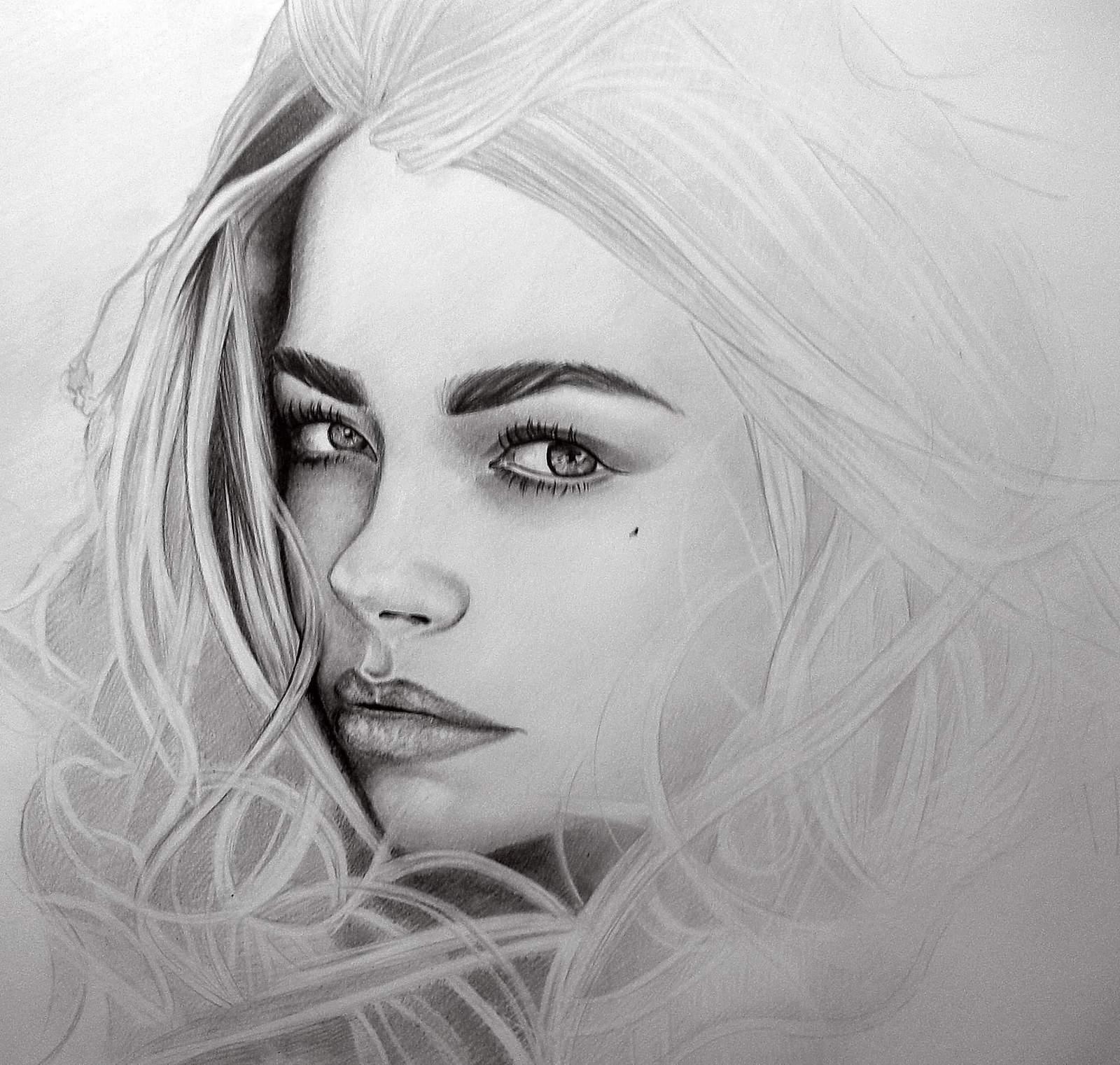 фото рисунков карандашом девушек
