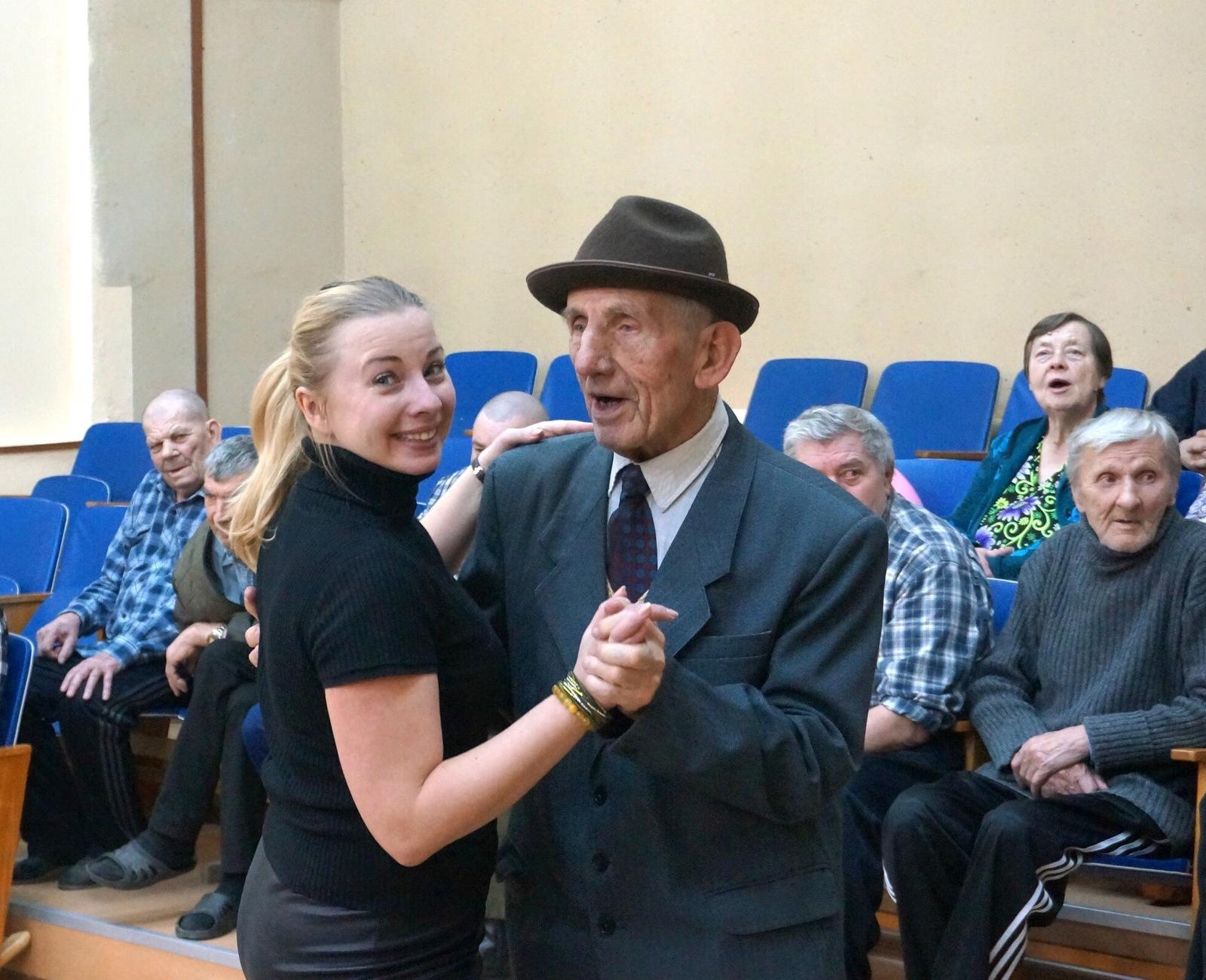 Добровольцы дома престарелых в специальный дом для одиноких престарелых нижневартовск руководитель