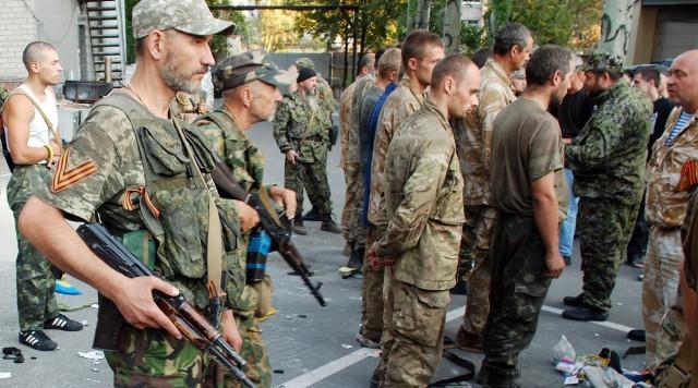 Окупанти змушували молодь з Донецька добивати поранених в Іловайському котлі, - екс-бойовик