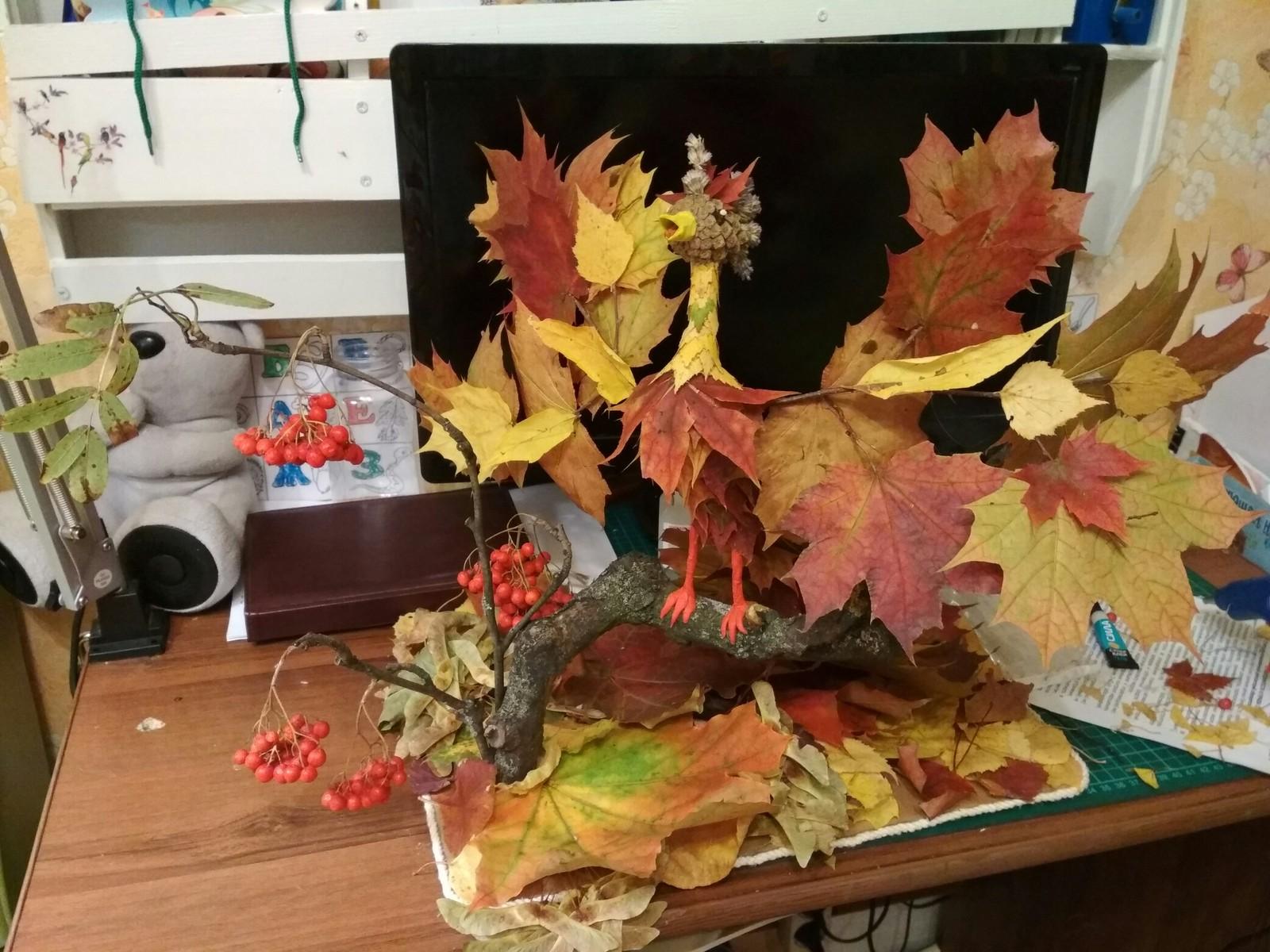 Поделка в садик из листьев на тему осень своими руками