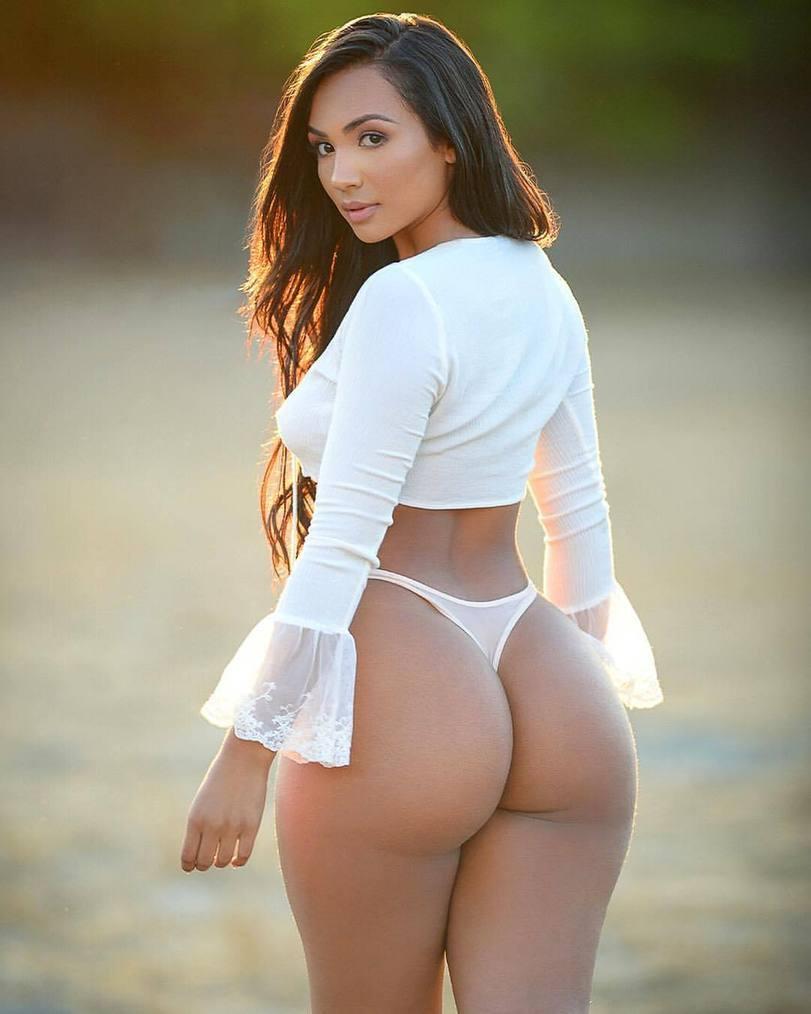 Секс пышная красота порно фото девушек стриптиз
